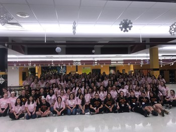 All of the GOLD Night attendees in the IMS cafeteria