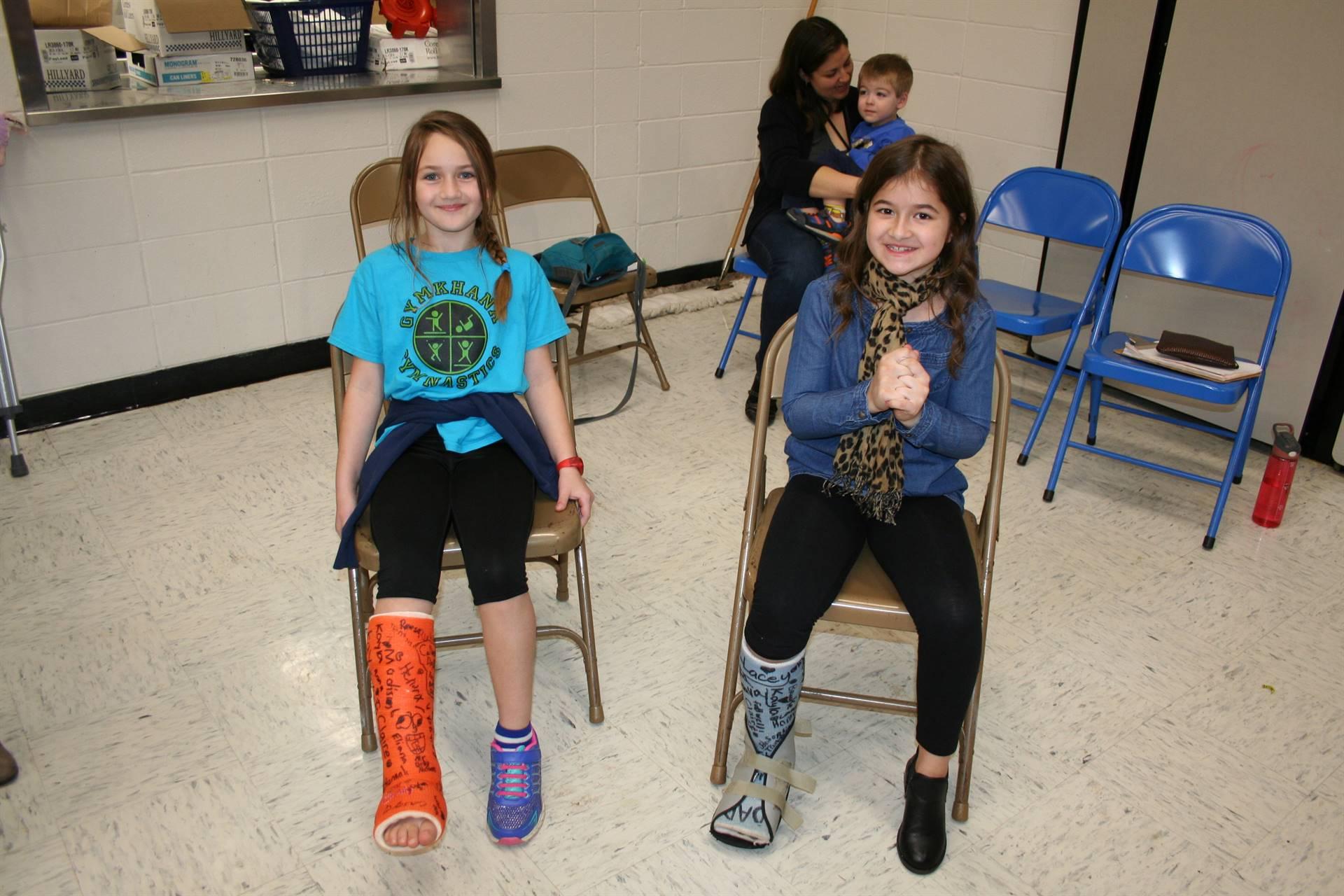 Washington students with broken legs