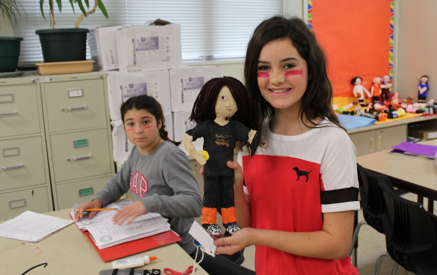 NAMS Sixth Graders Make Sculptures of Themselves