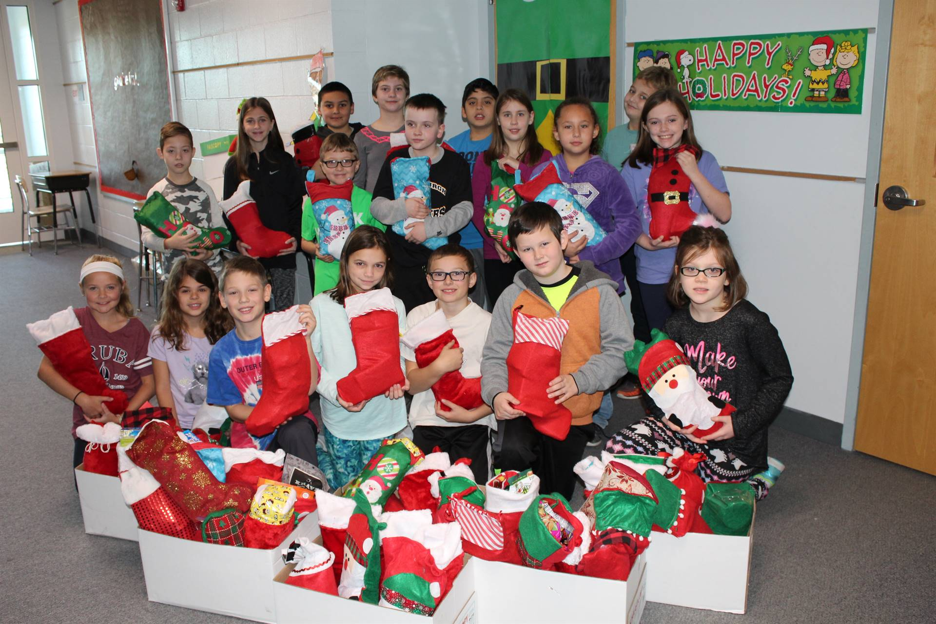 Memorial Fourth Graders with Christmas stockings for veterans