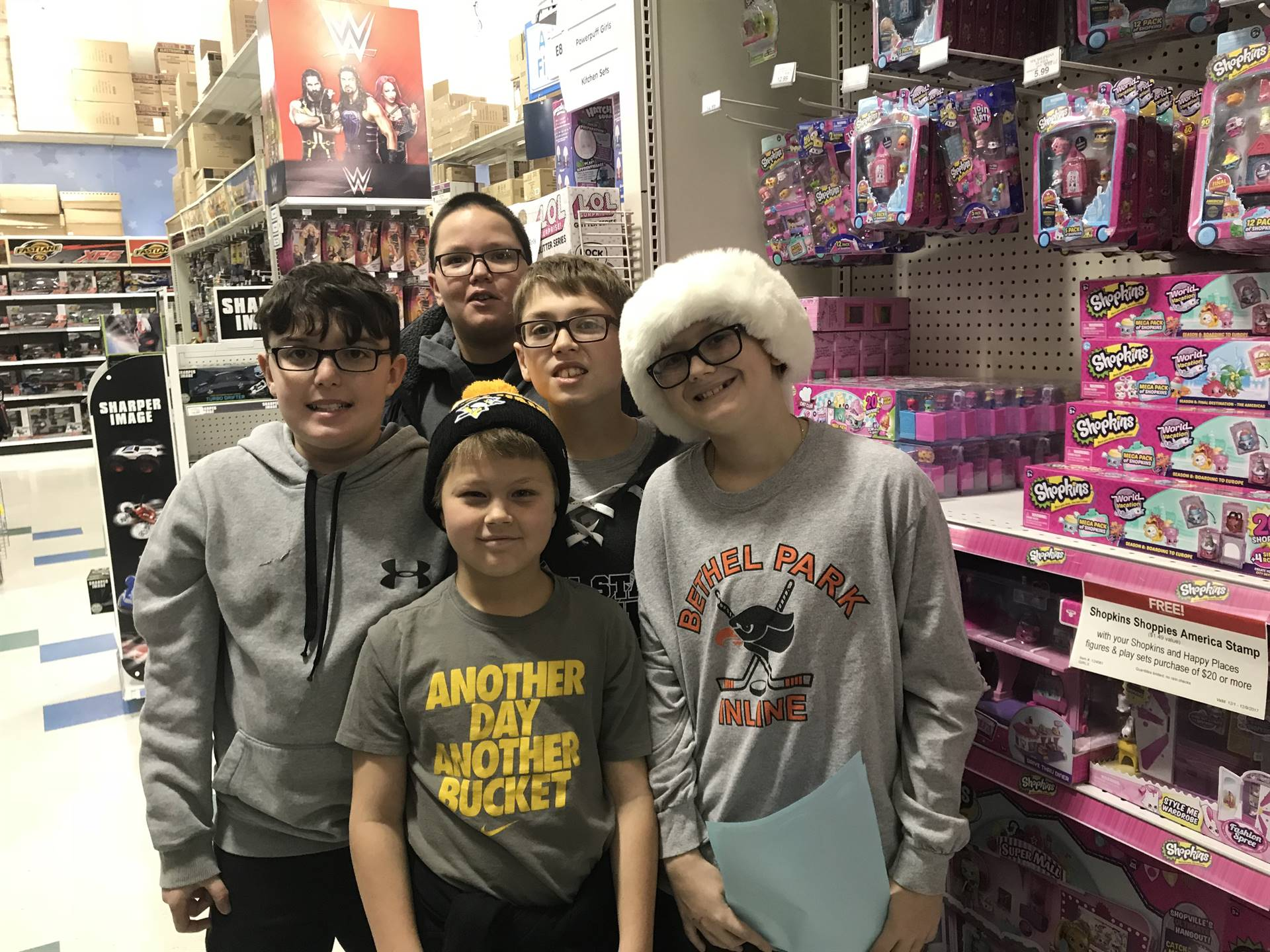 Team Eclipse students shopping for presents