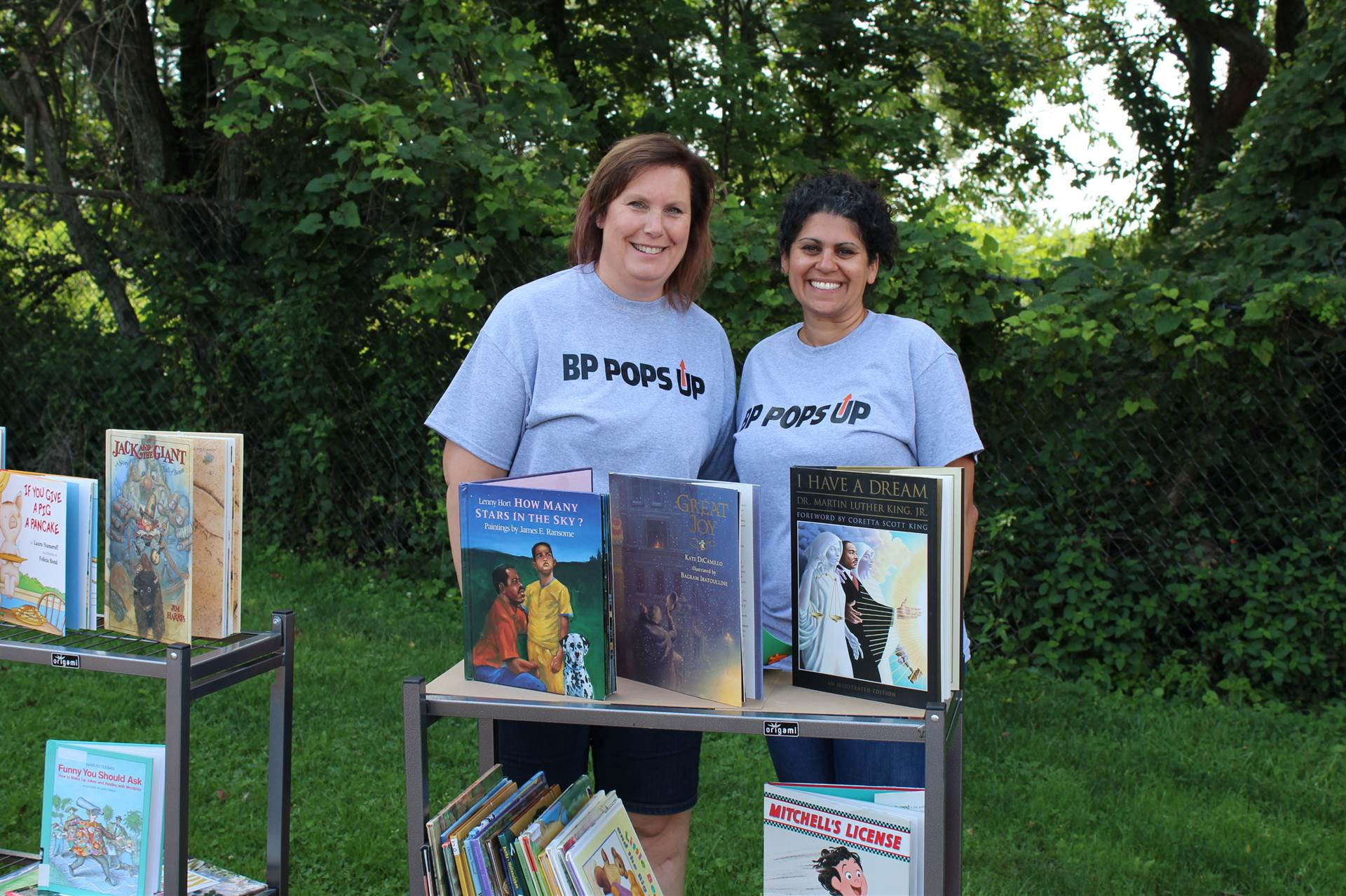 Pop Up Library Organizers Mrs. Pazuchanics and Mrs. Volpe