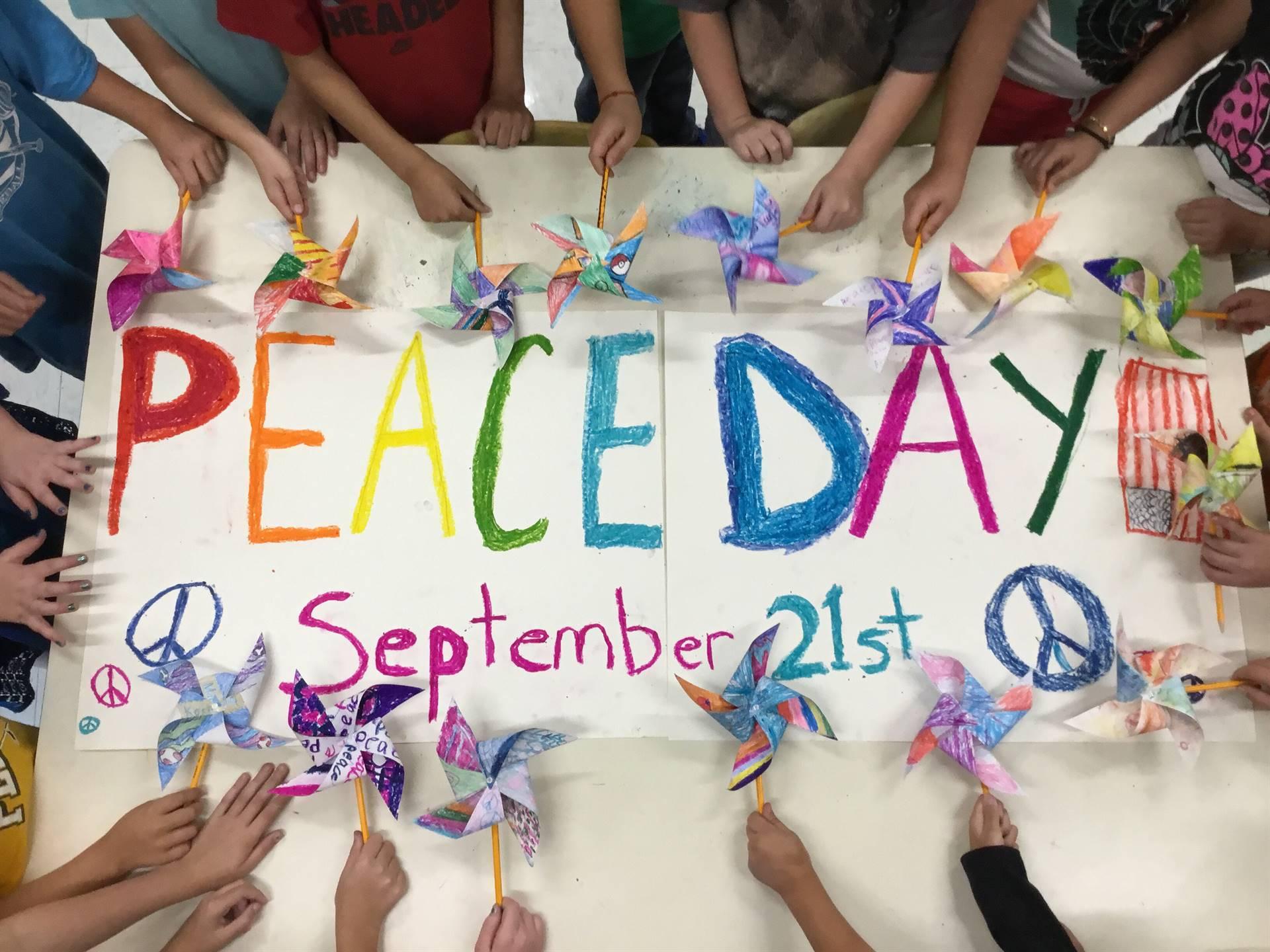 Memorial Students make Pinwheels for Peace