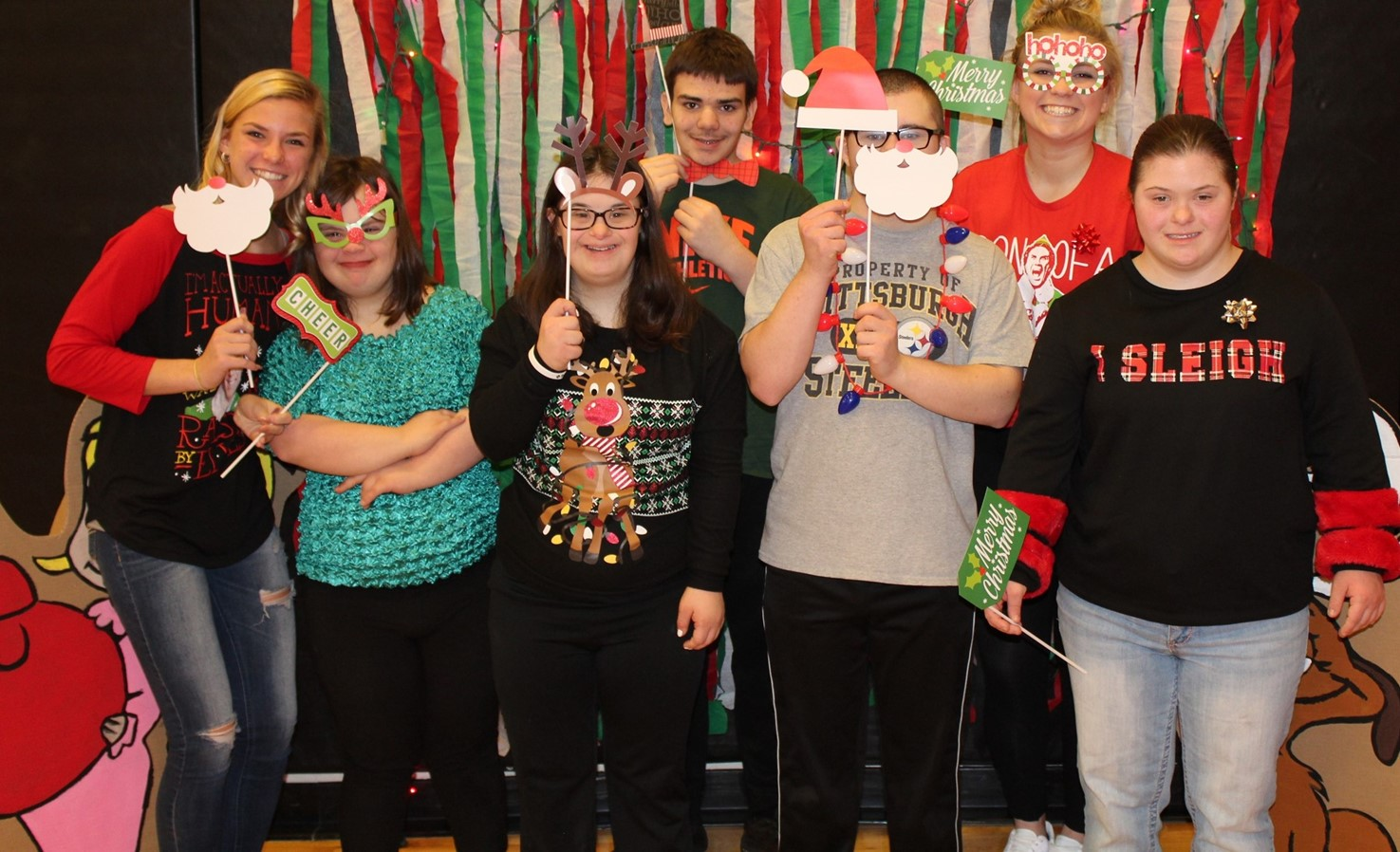 BPHS students in the Holiday Photo Booth