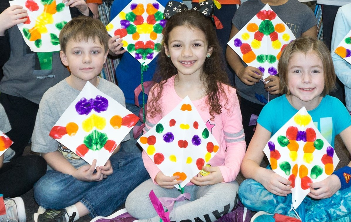 Franklin Second Graders Make Kites For Spring