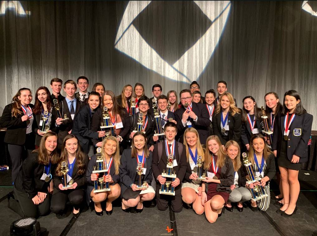 The students who won awards/medals at the DECA State Competition