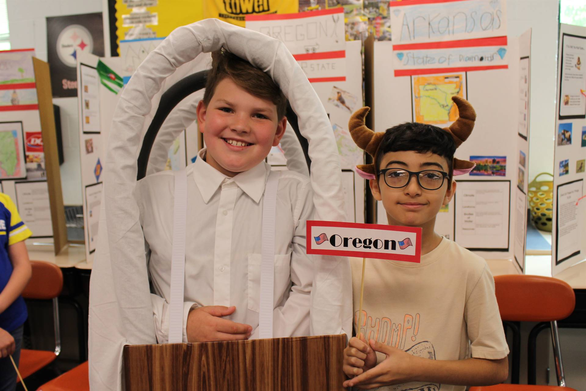 Two students at the Fourth Grade State Fair
