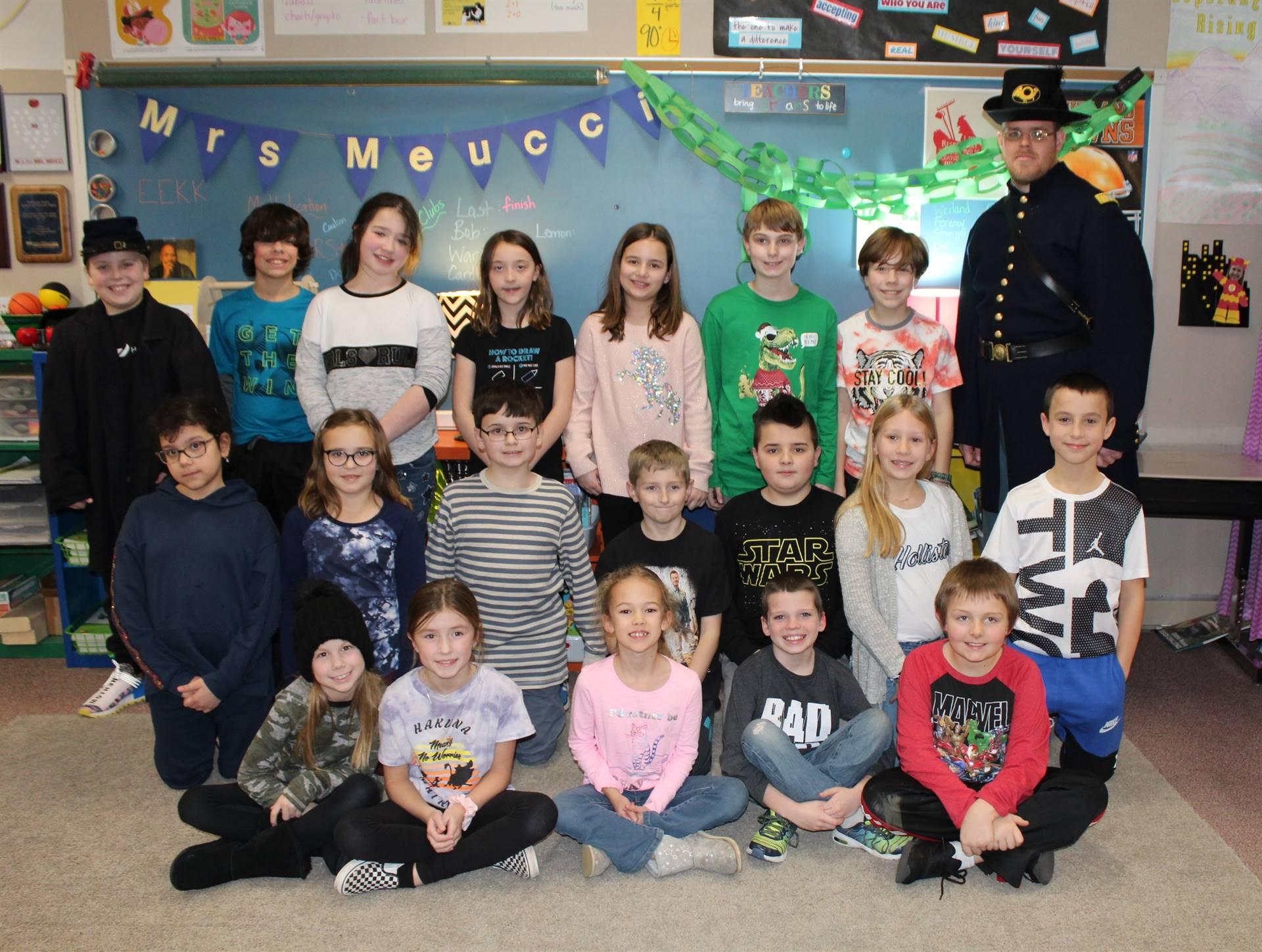 Group of Fourth Graders with a Civil War Reenactor